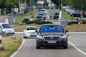 Mercedes-Benz S 500 INTELLIGENT DRIVE demonstration. Source: Mercedes-Benz.